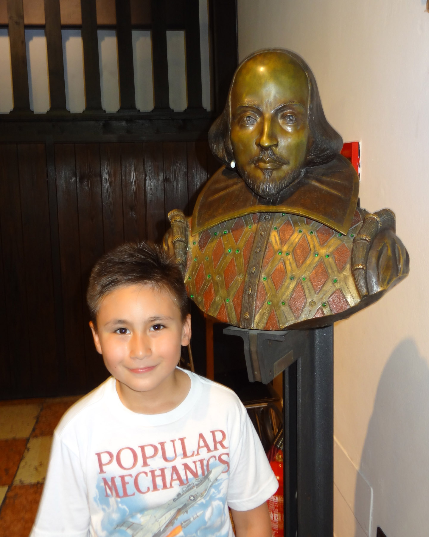 Shakespeare Statue, n° 23 of Via Cappello, Verona, Italy 2015