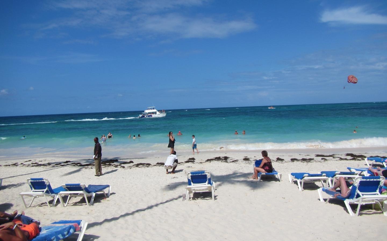 2016 Dominican Republic- Punta Cana - Tamas - VIK Hotel beach