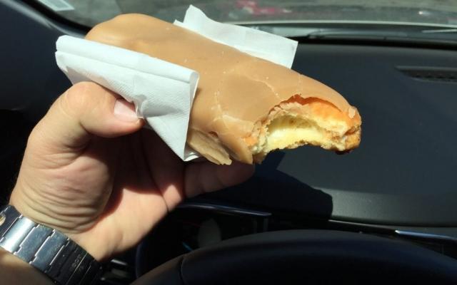 2016 Los Angeles, California, Randy's Donuts, Maple Long John w/Cream